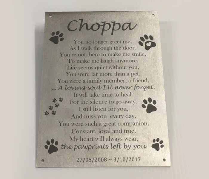 Pet Memorial Custom Engraved Stainless Steel mounting holes 150 x 200 mm